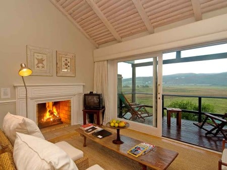 Emily Moon River Lodge, Plettenberg lounge with a view