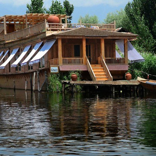 The Sukoon Houseboat, Kashmir