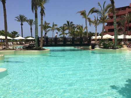 Catherine-Blog-the-ritz-carlton-abama-tenerife-swimming-pool