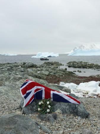 Celebrating-Shackleton-blog-Henry-Worsley-memorial