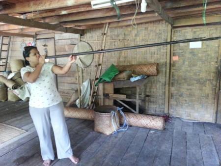 Ayesha-Borneo-blog,-Blowpipe-at-Lemanak-longhouse