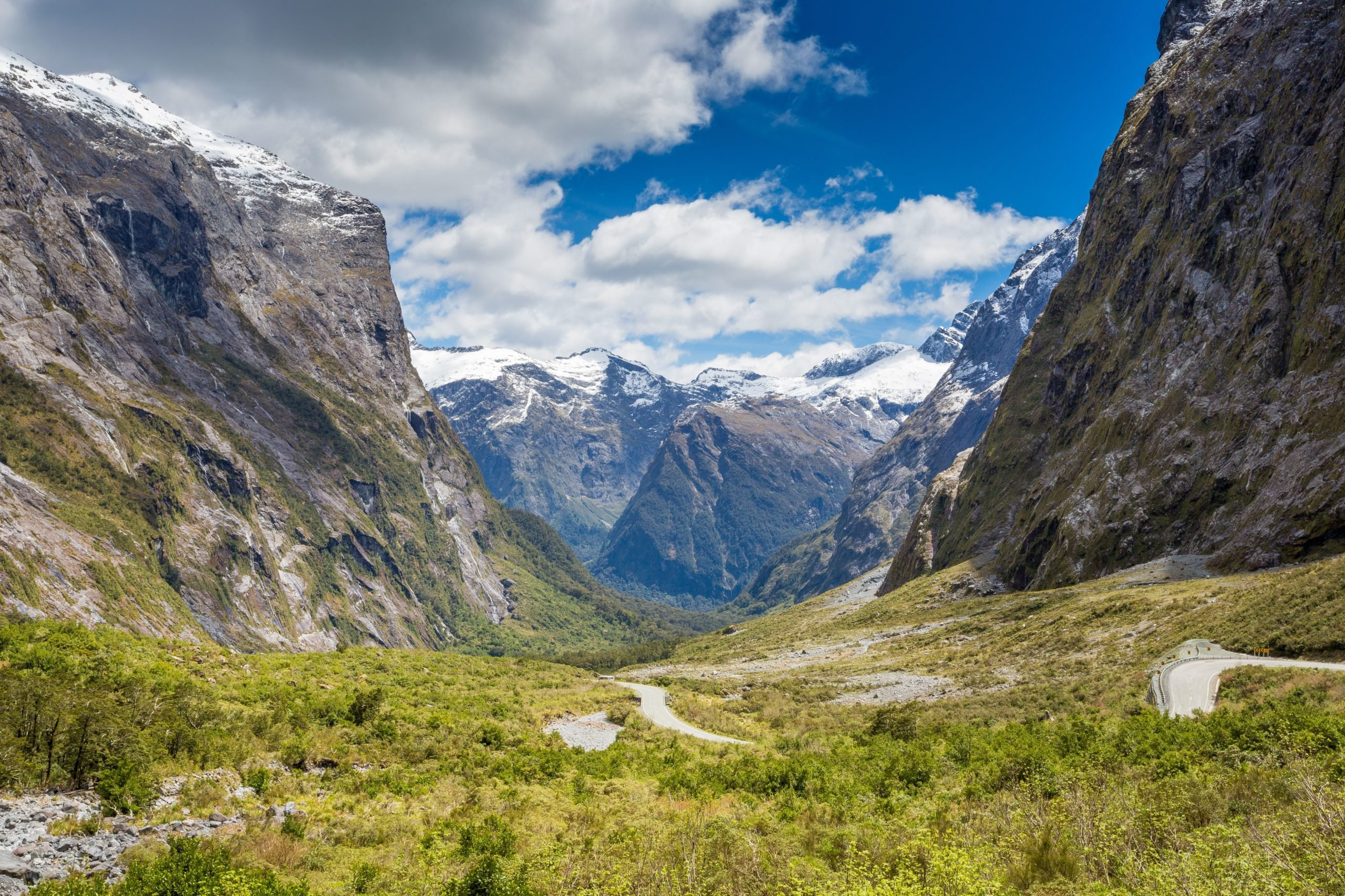 New Zealand Explorer: Walking and Scenery