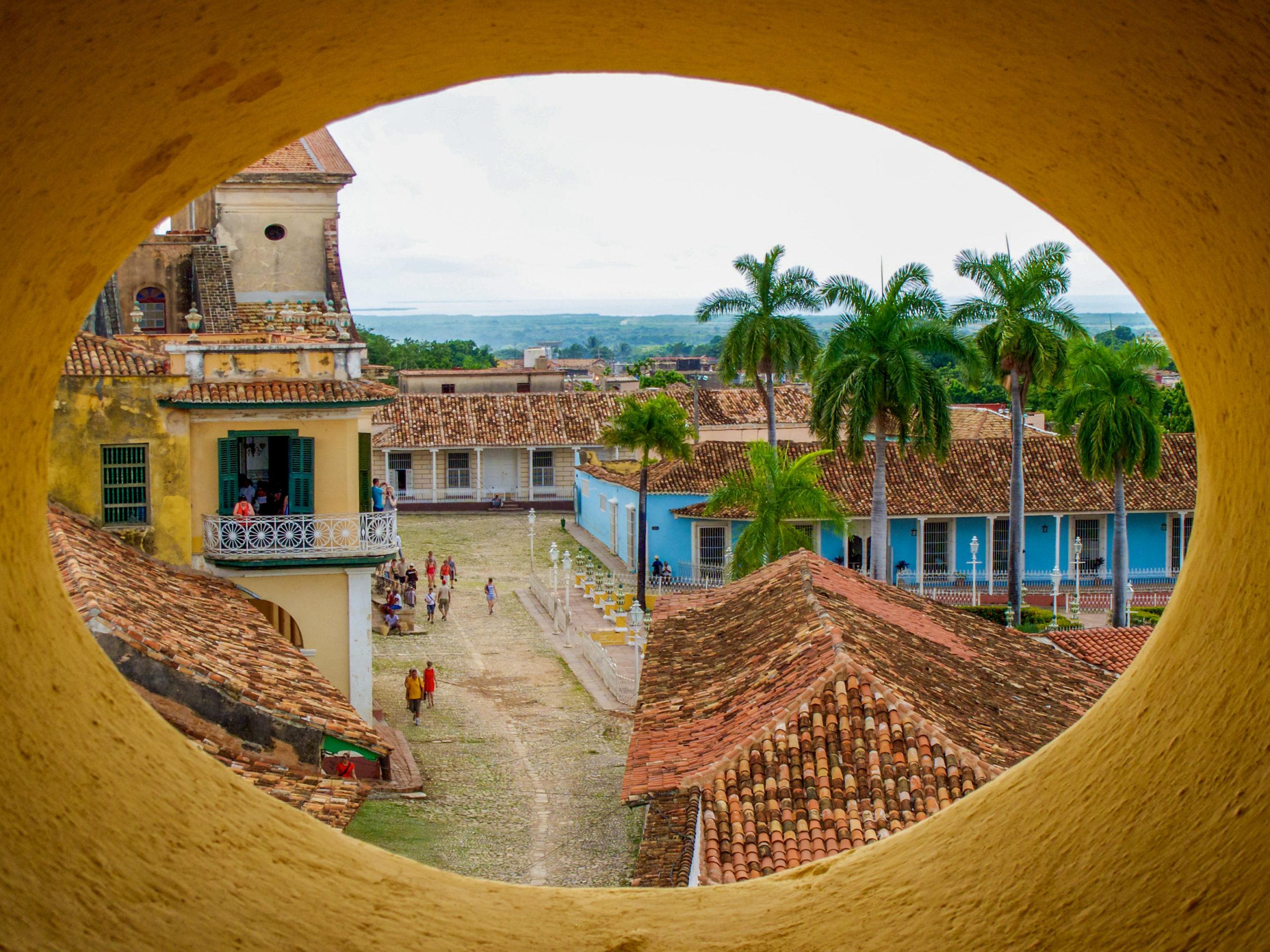 Cuba: Colours & Flavours