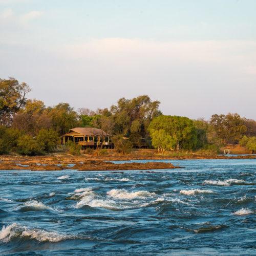 Toka Leya, Mosi-oa-Tunya National Park